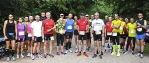 Vi var mange i dag, så dem der løb halvmarathon fik et billede for dem selv. Her er marathonfeltet. Foto: Bent Ole Karlsson