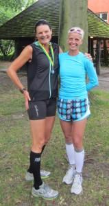 Dejligt at være i mål efter 42,2 km. Her står jeg sammen med Birgitte Munch Nielsen som er godt på vej mod 300 marathon