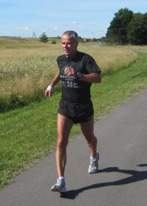 Arrangør Leif Skinnerup løber selv alle Skinnermaraton