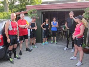 Så er vi ved at være klar til start. Dejligt at et par af deltagerne havde taget familie med i løbesko. Så endte det med deltagerrekord :-)