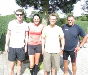 Rene Hjort Olsen, Annette Fredskov, Jakob Fischer, Anders Risager glade i mål efter 42,2 km