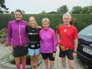 Annette Fredskov, Tracy Høeg, Lene Bruun, Preben Poulsen klar til Fredskov Marathon, løb nr. 65, 366/365