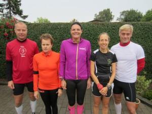 Nicholas Felten, Malene Ravn, Annette Fredskov, Tracy Høeg, Preben Damsgaard klar til start i tørvejr. Inden længe kom regnen!
