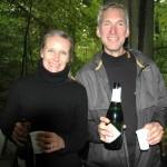 Helle Andersson og Jerk W. Langer. Skål i champagne. Tak til Helle for en super betjening i depotet. Foto: Karen Lyager Horve