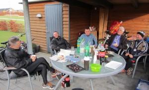 Vi sluttede af med hygge og kage. Henning Baginski, Ulrik Pihl, Anders Risager, Harry Egede  Rasmussen, Tony Gren