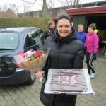 Tak for kage (Uhm) og blomster. I dag var marathon nr. 126. Men vi måtte vente med kagen til efter løbet :-)