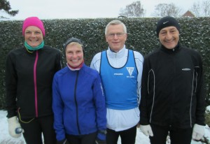 Klar til start i frostvejr. Annette Fredskov, Lene Bruun, Bjarne Andersen, Henning Baginski