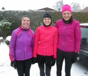 Klar til marathon i snevejr. Lene Bruun, Maria Holtze Kryger, Annette Fredskov
