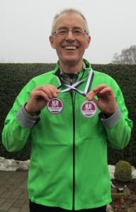 En glad Jörgen Nilsson med sine to medaljer efter at have løbet sin første dublet - stort tillykke :-)