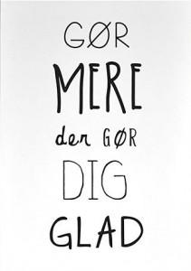 A5-postkort_goer_mere_der_gør_dig_glad-p
